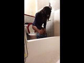 Step sister peeing