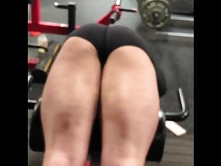 HOT TEEN on the Fitness center in Spandex Shorts Bending Over!!