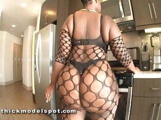 huge butt dark skinned