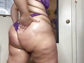Immense Butt Latina Cutie