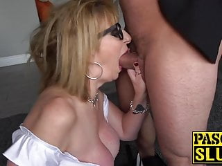 Submissive horny milf from Britain loves tough bang session