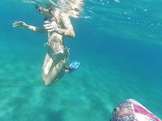 Almacenamiento en la nube. Sirena desnuda parte 4