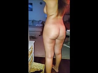 ARAB WIFE LOVES WALKING AROUND NAKED SHOWING HER SAGGY TITS