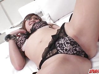 Sexy Mariko shows off her wild side – More at Japanesemamas.com