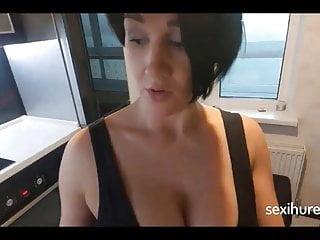 Grobe Bruste, Brunette auf Sexihure