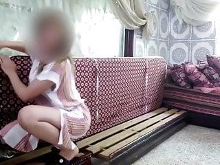 Scandal routine salope tatouage marocaine montre sa peau