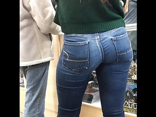 SPLENDID Candid TiGht BLue JeAns Merely Stunning Red head