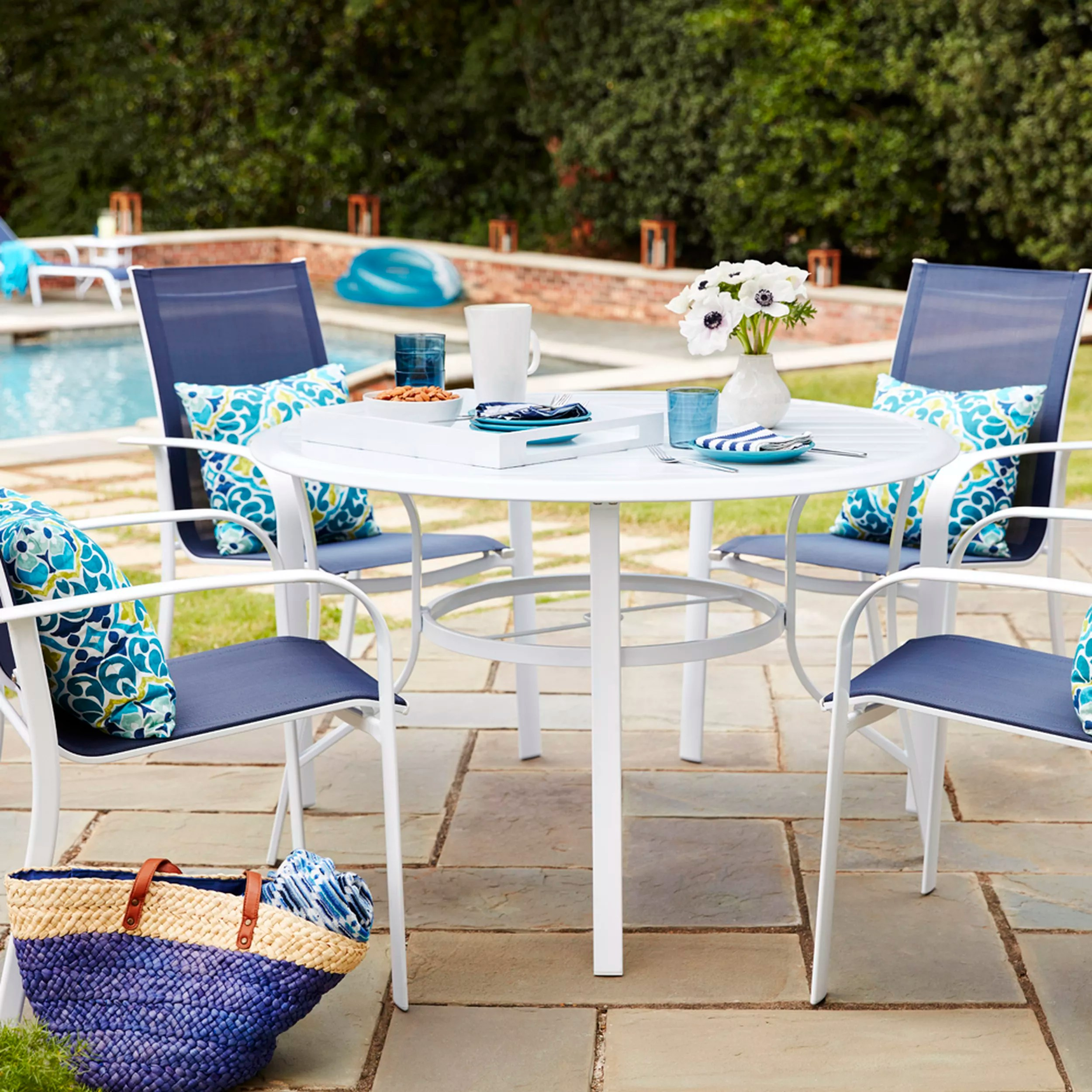 patio furniture experts give tips for