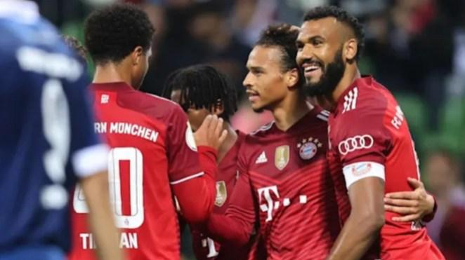 Para pemain Bayern Munich merayakan gol.
