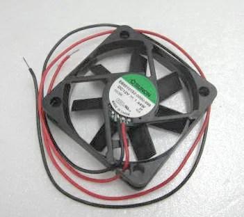 SUNON DCファン 12VDC スリーブ 50 x 50 x 10mm