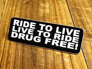 ステッカー ヘルメット 車 アメリカン おしゃれ バイク かっこいい RIDE TO LIVE 生きるために乗れ!乗るために生きろ!薬物に自由を! 【メール便OK】_SC-187-GEN