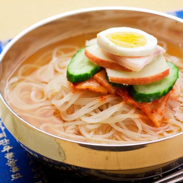 当店1番人気の冷麺が送料無料!韓国冷麺4食セットが1000円!楽天ランキング1位獲得!韓国レストランが使用する麺とスープ