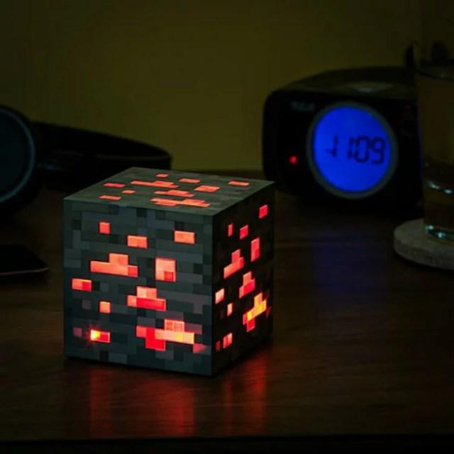 マインクラフト レッドストーン MINECRAFT RedStone Ore LEDライト レッド 並行輸入品【メール便/送料無料】