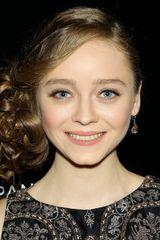 profile image of Madeleine Arthur
