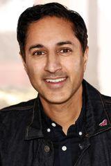 profile image of Maulik Pancholy