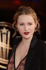 profile image of Christa Théret