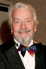 profile image of Peter Dennis