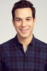 profile image of Skylar Astin