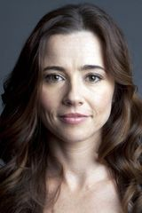 profile image of Linda Cardellini