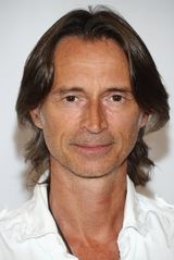profile image of Robert Carlyle