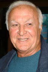 profile image of Robert Loggia