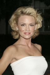 profile image of Kelly Carlson