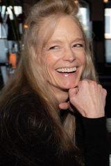 profile image of Suzy Amis