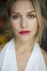 profile image of Julia Dietze