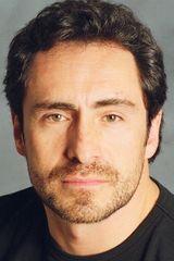 profile image of Demián Bichir