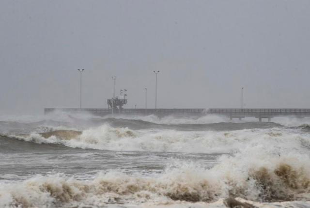 Hanna brings flooding, power outages to southern Texas Gulf Coast ...