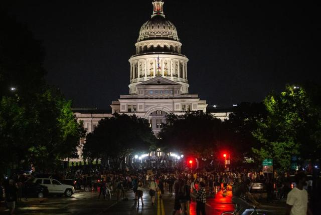 A large gathering of protestors at the south gates of the capitol on May 31, 2020.