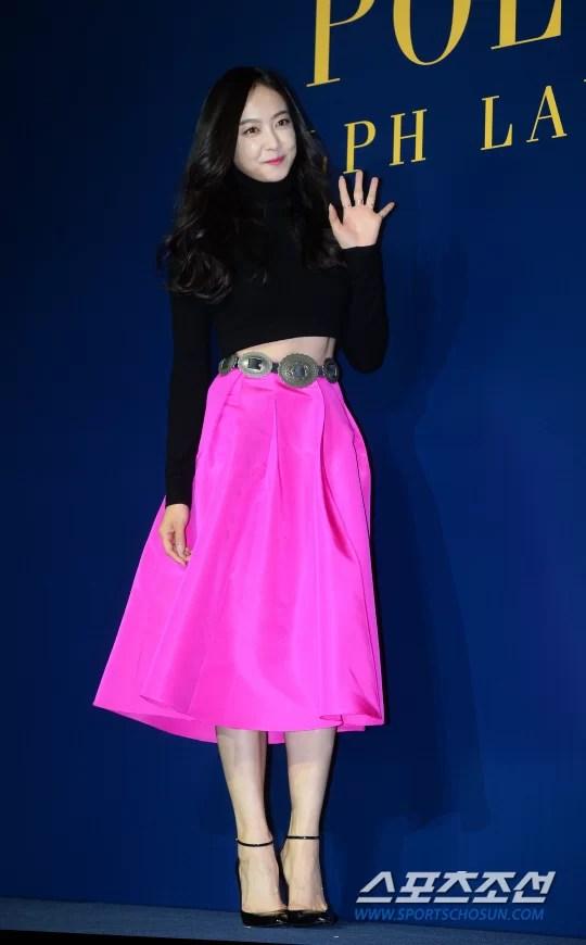 [포토] 빅토리아 '강렬한 핑크톤 유혹'