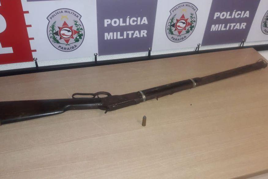 rifle44 - Polícia apreende cinco armas de fogo e prende três pessoas em operação