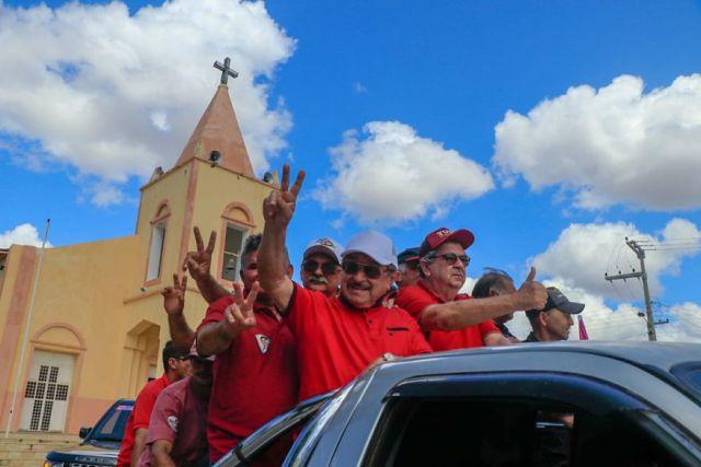 caravana - José Maranhão promove grande caravana de Patos a Taperoá