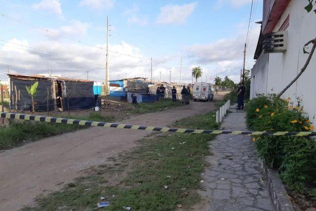 homicidio colinas do sul - Adolescente é assassinado a tiros no barraco onde dormia