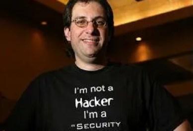 Kevin Mitnick hacker ile ilgili görsel sonucu