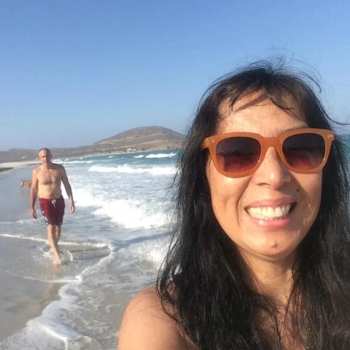 Jet Metier selfie with Chuck Bolotin at Baja California Sur beach