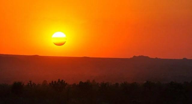Foto del sole da Wikipedia  Fonte: https://en.wikipedia.org/wiki/Solar_energy#/media/File:Neapolitan_Sunset.jpg