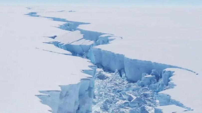 https%3A%2F%2Fblogs images.forbes.com%2Fscottsnowden%2Ffiles%2F2019%2F07%2FIceberg1 1200x675 - Cientistas propõem pulverizar toneladas de água do mar congelada na Antártica