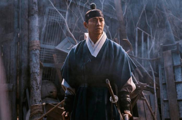 Ju Ji-Hoon Talks About Reviving His Role In The Zombie Thriller 'Kingdom'