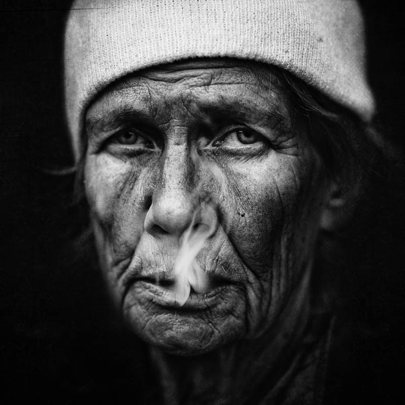 homeless black and white portraits lee jeffries 12 25 Incredibly Detailed Black And White Portraits of the Homeless by Lee Jeffries