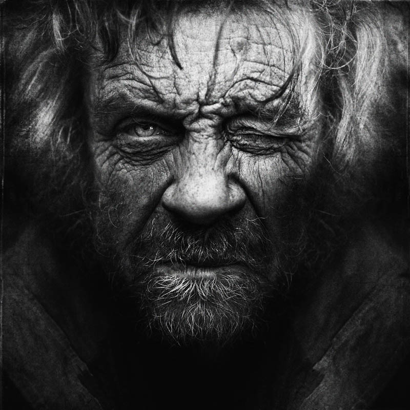homeless black and white portraits lee jeffries 22 25 Incredibly Detailed Black And White Portraits of the Homeless by Lee Jeffries