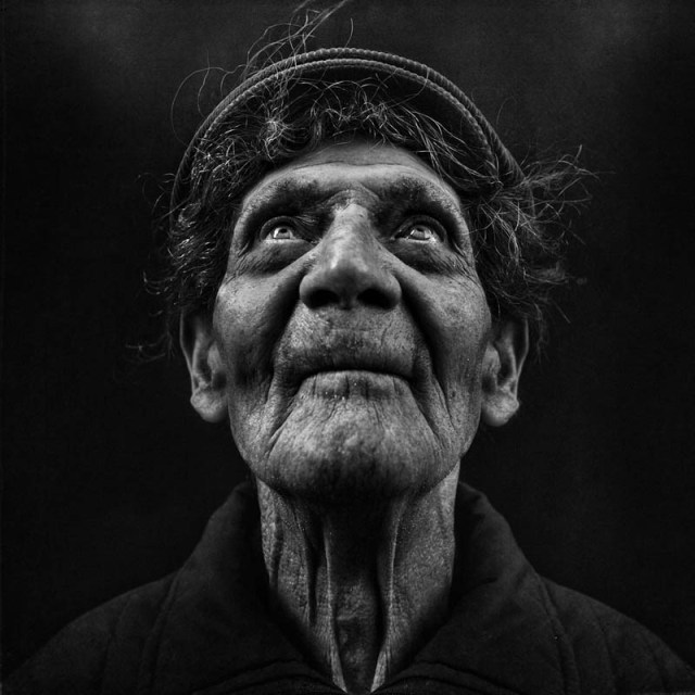 homeless black and white portraits lee jeffries 36 25 Incredibly Detailed Black And White Portraits of the Homeless by Lee Jeffries