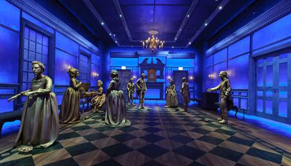 'Hamilton: The Exhibition' Opens in Chicago to Eager Fans
