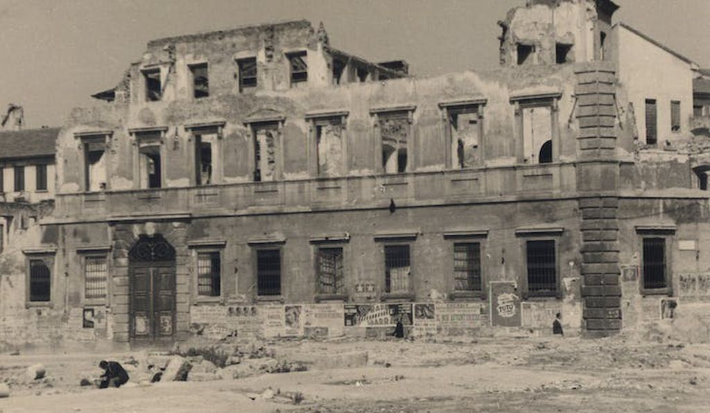 Unknown photographer, Palazzo Archinto after the August 1943 bombing