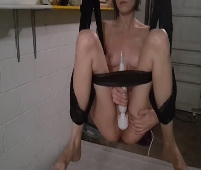 Kate Submissive Squirts On Sex Swing