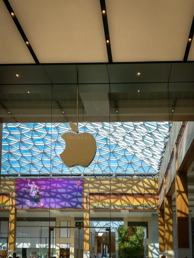 Entrance To Apple Store In Unerground Forum Shops