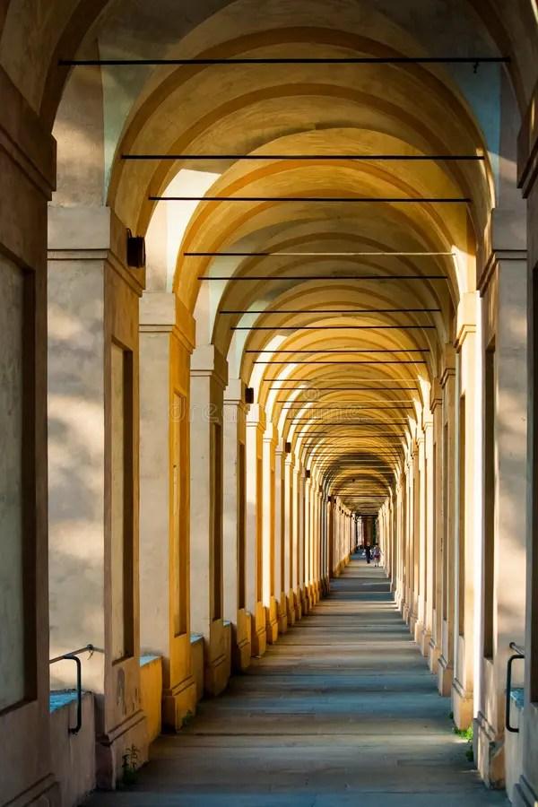 Arcadas en Bolonia imagen de archivo. Imagen de bolonia - 63282659