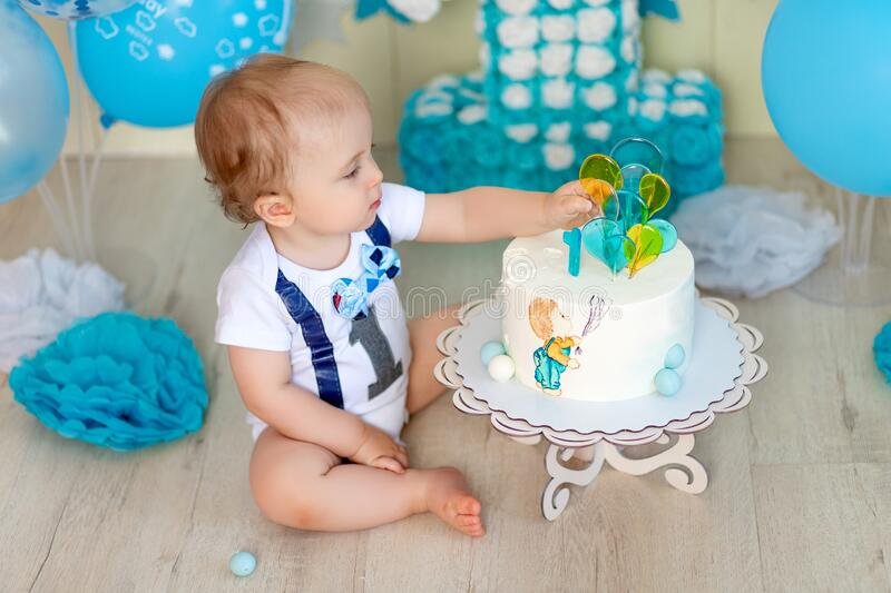 17 219 Cake Year Birthday Photos Free Royalty Free Stock Photos From Dreamstime