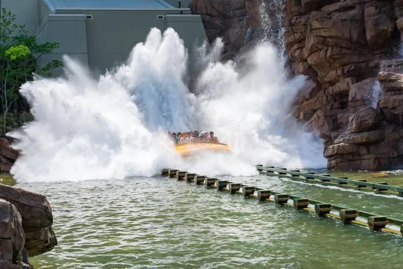 Jurassic Park Water Ride Drop Novocom Top